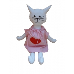 Kočička s růžovými šaty